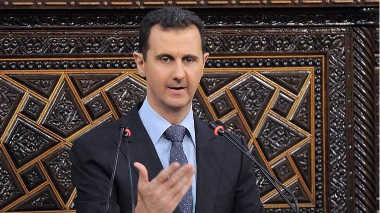 Asad prekinuo govor, nije mu bilo dobro