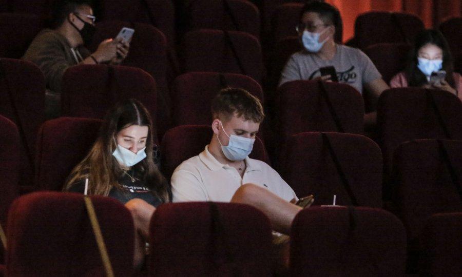 Nove preporuke za kinodvorane: Gledatelji bez maske samo kad jedu kokice i piju napitke