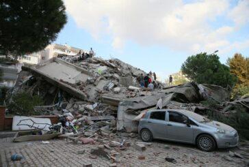 Izmir u šoku: Pod ruševinama se traže preživjeli